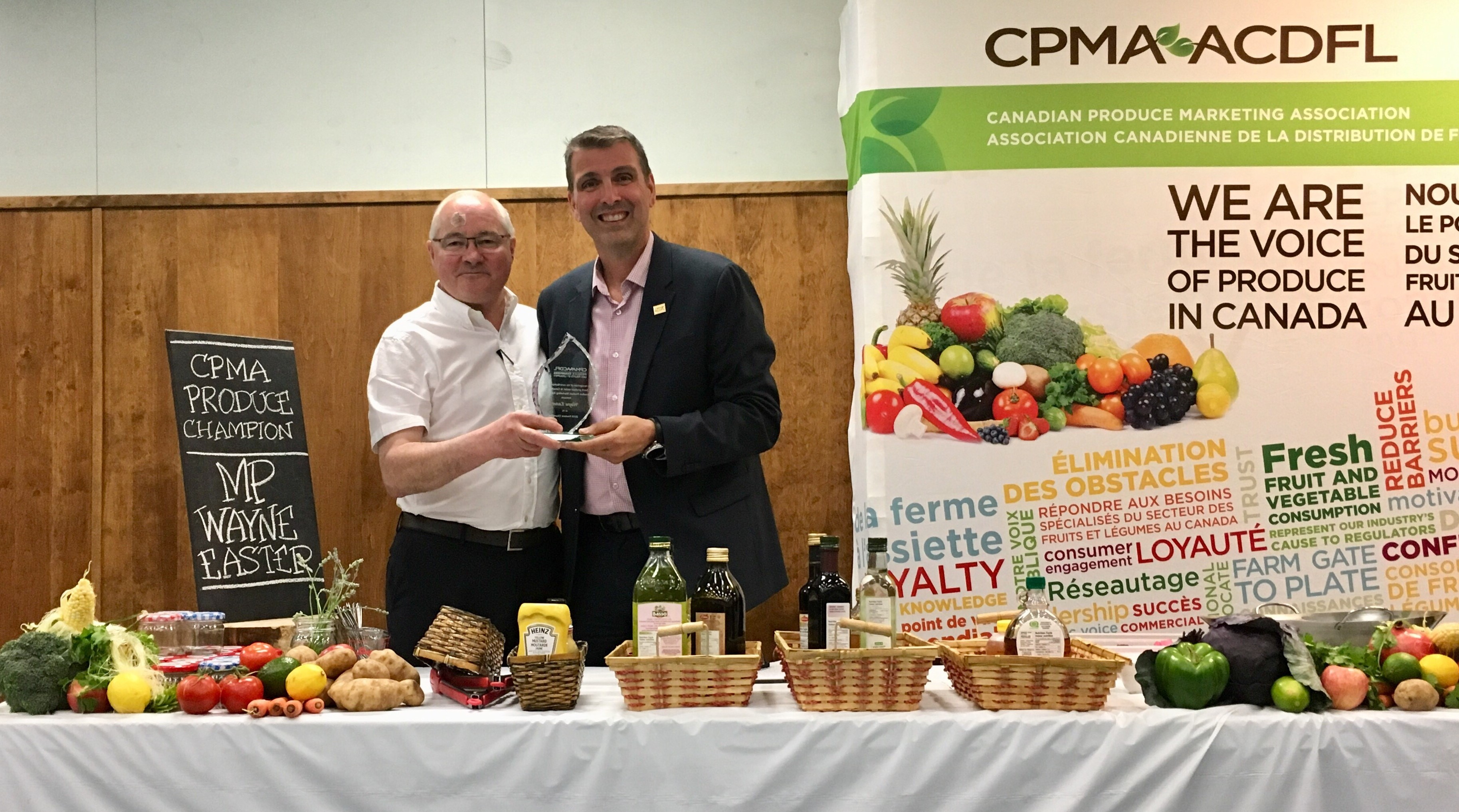2019 Produce Champion MP Wayne Easter and CPMA President Ron Lemaire